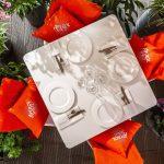 стол на летней веранде ресторана Blush