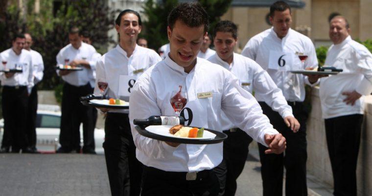 Забег официантов в Сочи