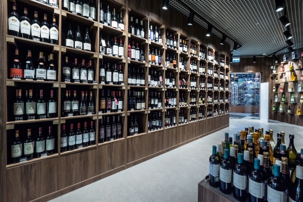 SimpleWine открывает новую винотеку на Черемушкинском рынке