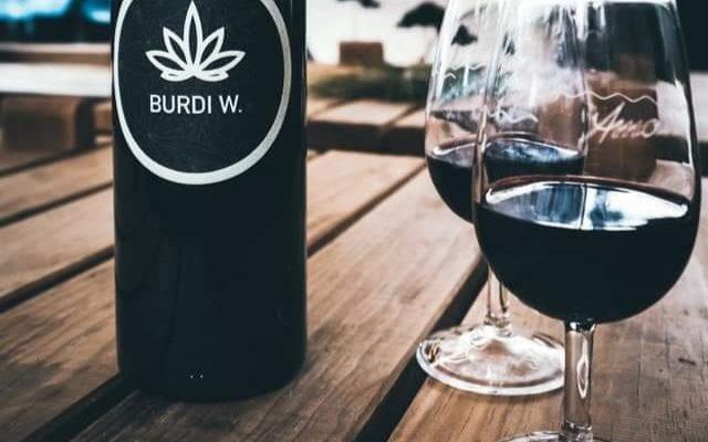 В регионе Бордо производят вино из конопли